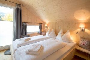 TomLamm-chalet-dahoam-schlafzimmer